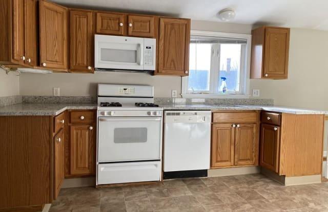 371 Lincoln Ave - 371 Lincoln Avenue, Saugus, MA 01906