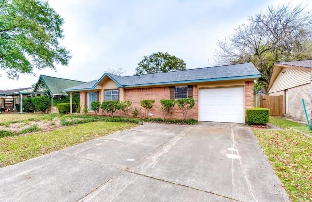2811 Huckleberry Ln - 2811 Huckleberry Lane, Pasadena, TX 77502