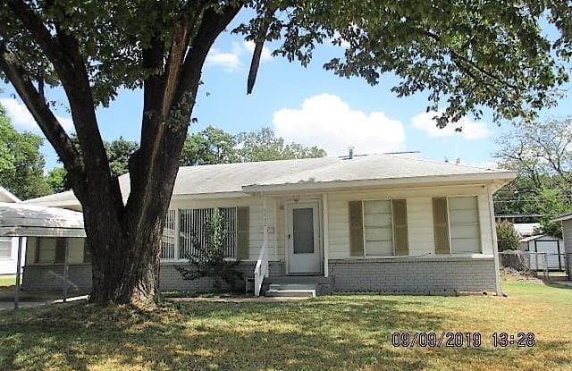 3532 Meadow Oaks Drive - 3532 Meadow Oaks Drive, Haltom City, TX 76117