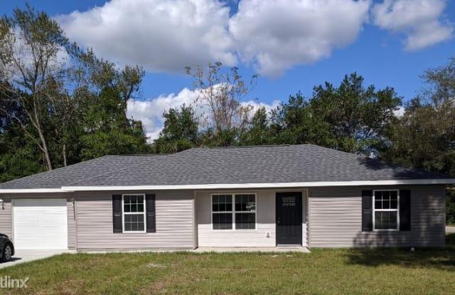 6834 SE 107th Place - 6834 Southeast 107th Place, Belleview, FL 34420