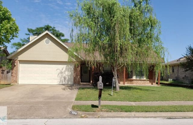 7904 Meadowbrook Drive - 7904 Meadowbrook Drive, Watauga, TX 76148