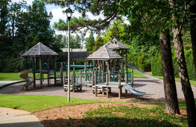 Walton Grove - 2550 Cumberland Blvd SE, Smyrna, GA 30080