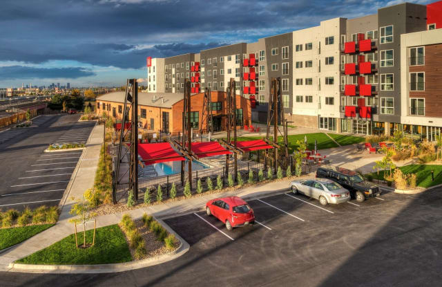 Oxford Station Apartments - 4101 S Navajo St, Englewood, CO 80110