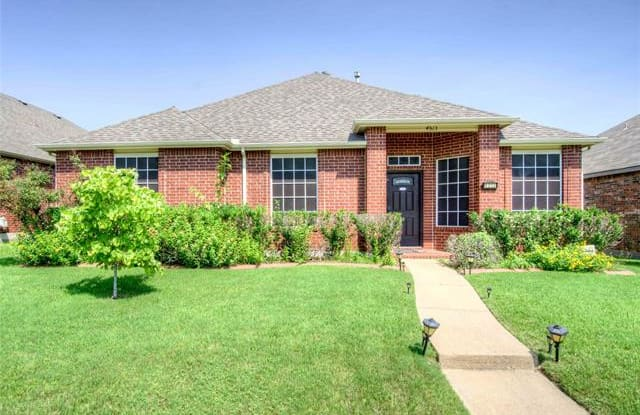 4513 Stirling Drive - 4513 Stirling Drive, Garland, TX 75043
