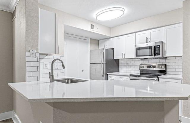 Elmsgate at Cliffside Apartments - 1635 Jefferson Cliffs Way, Arlington, TX 76006