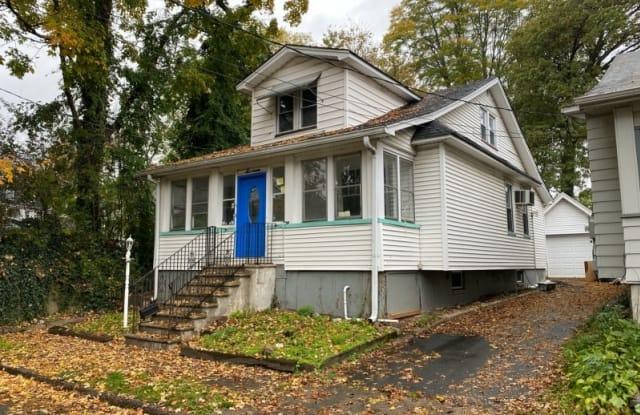 16 HELLER PL - 16 Heller Place, Essex County, NJ 07040