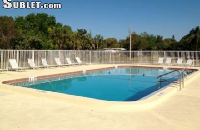3595 Gardenia Pl - 3595 Gardinia Place, Largo, FL 33771