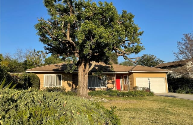 28 S Golden West Avenue - 28 South Golden West Avenue, Arcadia, CA 91007