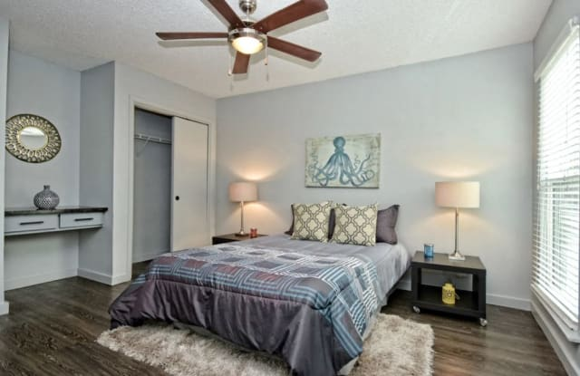 Fashion Aire Apartments - 1405 North Loop Boulevard, Austin, TX 78756