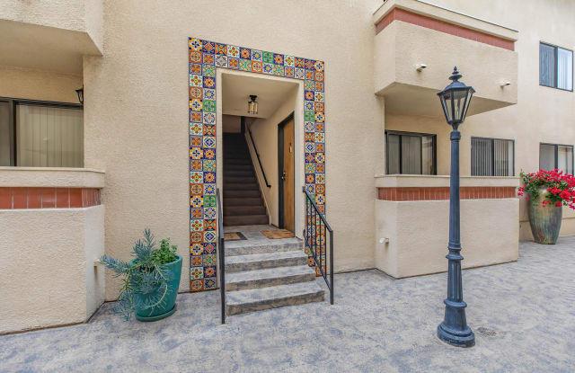 White Oaks - 5465 White Oak Avenue, Los Angeles, CA 91316