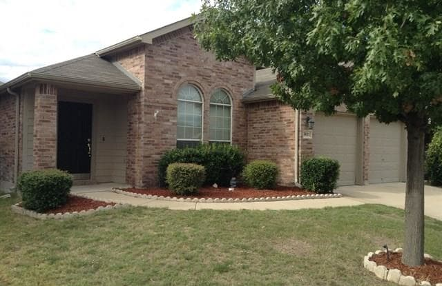 5621 Piedra Drive - 5621 Piedra Drive, Fort Worth, TX 76179