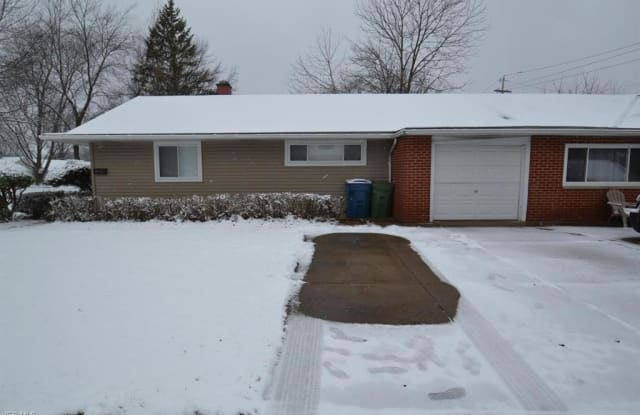 9512 Manorford Dr - 9512 Manorford Drive, Parma Heights, OH 44130