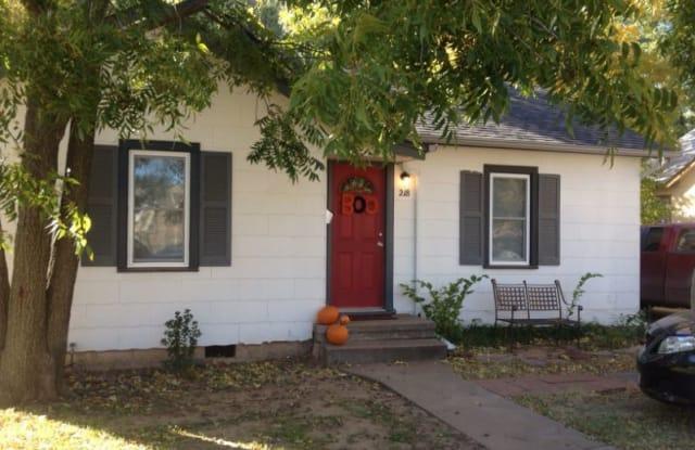 218 S Walnut St - 218 South Walnut Street, Stillwater, OK 74074