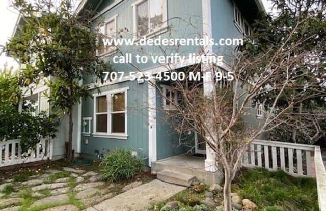 821 Twin Oaks Lane - 821 Twin Oaks Lane, Windsor, CA 95492