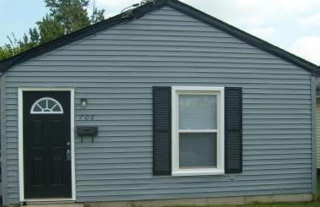 706 Hemlock Avenue - 706 Hemlock Avenue, Hampton, VA 23661
