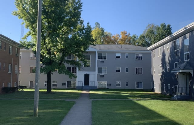 Columbus Park - 5999 Bear Creek Drive, Bedford Heights, OH 44146