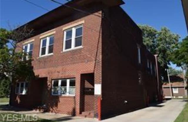 440 High St - 440 High Street, Fairport Harbor, OH 44077