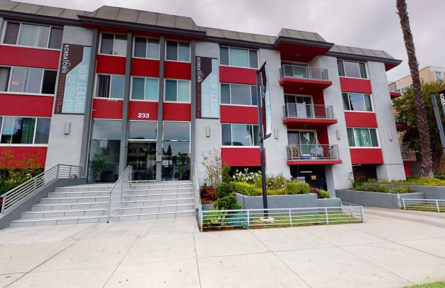 Chateau La Fayette - 233 S. La Fayette Park Place, Los Angeles, CA 90057