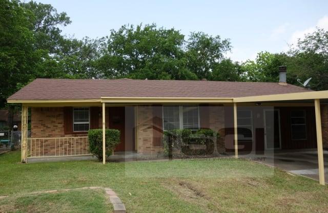 2723 Larchmont Dr - 2723 Larchmont Drive, Mesquite, TX 75150