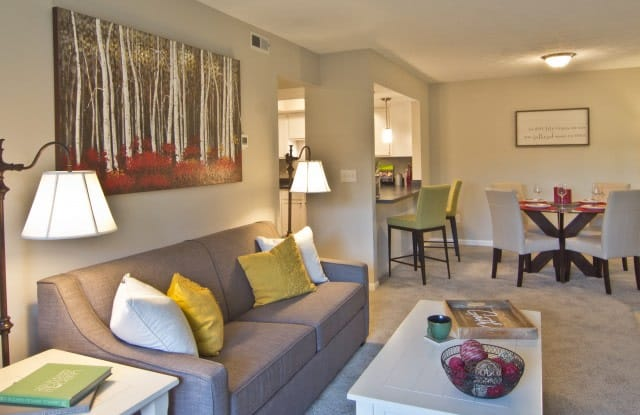Sawmill Commons Apartments - 2555 Summer Dr, Dublin, OH 43016