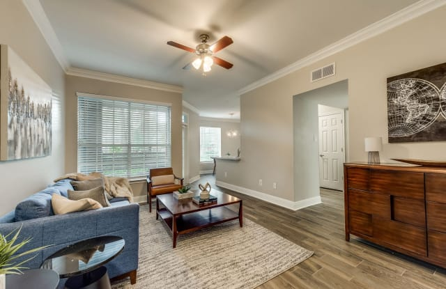 Champions Park Apartments - 13050 Champions Park Dr, Houston, TX 77069