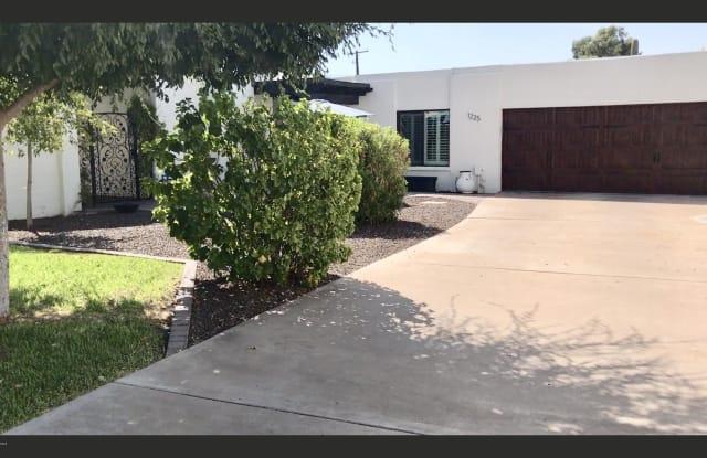 1225 E RANCHO Drive - 1225 East Rancho Drive, Phoenix, AZ 85014
