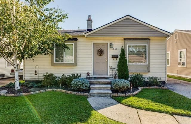600 E Kalama Avenue - 600 East Kalama Avenue, Madison Heights, MI 48071