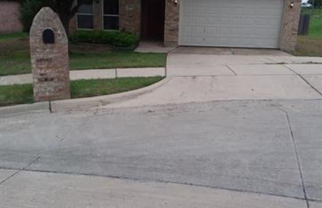 10300 Nelson Drive - 10300 Nelson Drive, Benbrook, TX 76126