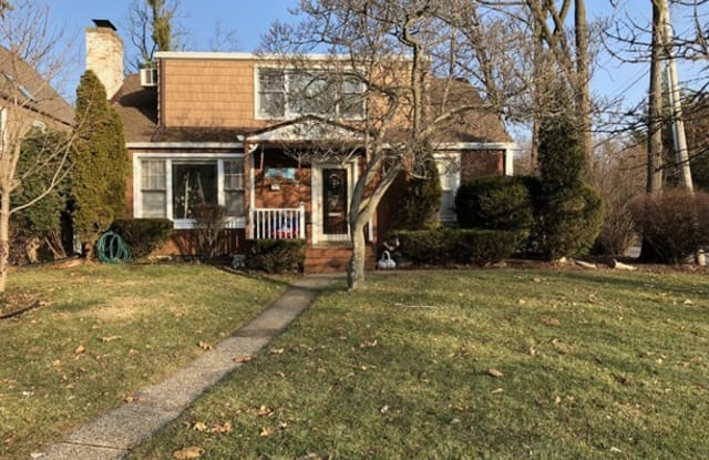 940 Central Avenue - 940 Central Avenue, Deerfield, IL 60015