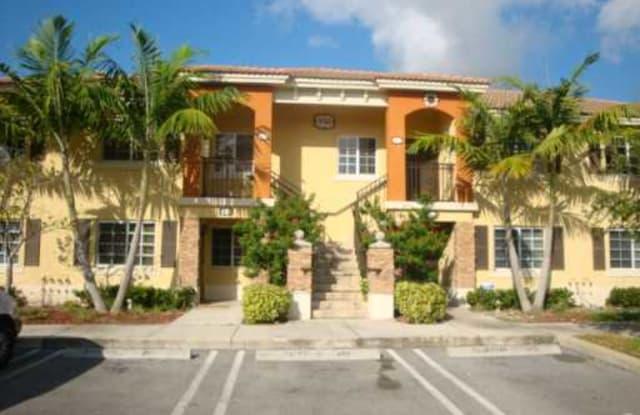 930 NE 33rd. Terrace # 201. Homestead - 930 NE 33rd Ter, Homestead, FL 33033