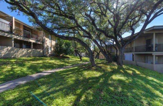 Park at Colonnade - 3815 Parkdale St, San Antonio, TX 78229