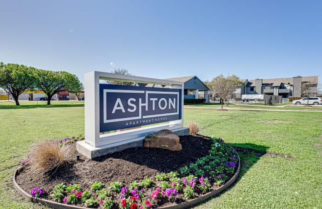 Ashton Apartment Homes - 681 N Saginaw Blvd, Saginaw, TX 76179