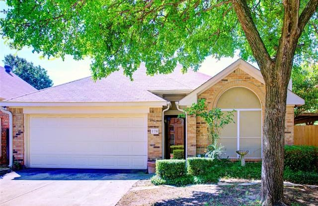 376 Arbor Lane - 376 Arbor Lane, Euless, TX 76039