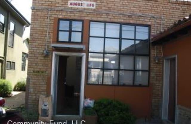 1501 37th Ave. #D2 - 1501 37th Avenue, Oakland, CA 94601
