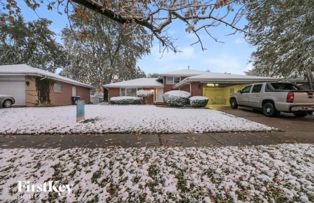 16921 Greenwood Avenue - 16921 Greenwood Avenue, South Holland, IL 60473