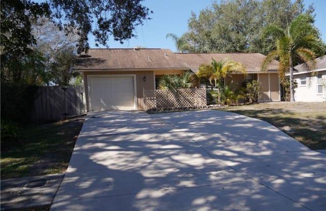 3026 VINSON AVENUE - 3026 Vinson Avenue, Sarasota Springs, FL 34232