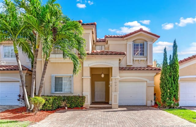 10926 NW 67th Ter - 10926 NW 67th Ter, Doral, FL 33178