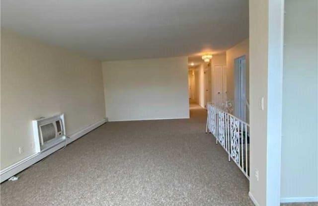 530 E Pine Street - 530 East Pine Street, Long Beach, NY 11561