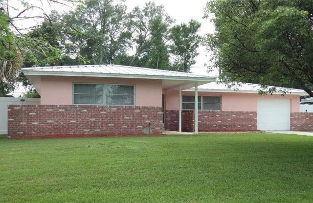 1841 PATLIN CIRCLE N - 1841 North Patlin Circle, Largo, FL 33770