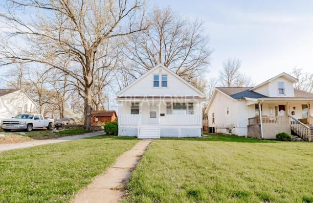 9502 Holtwood Road - 9502 Holtwood Road, Overland, MO 63114