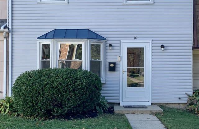 10 Felter Place - 10 Felter Place, Burlington County, NJ 08046
