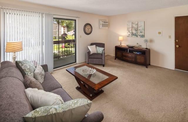 Clinton Manor Apartments - 24666 Katherine Ct, Harrison, MI 48045