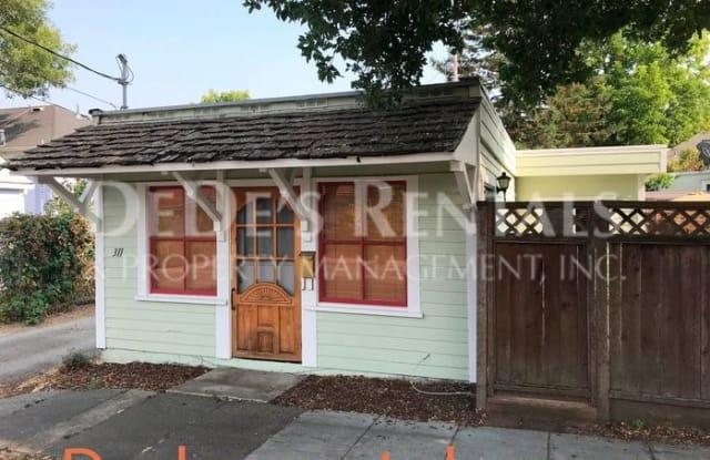 311 Oak Street - 311 Oak St, Petaluma, CA 94952
