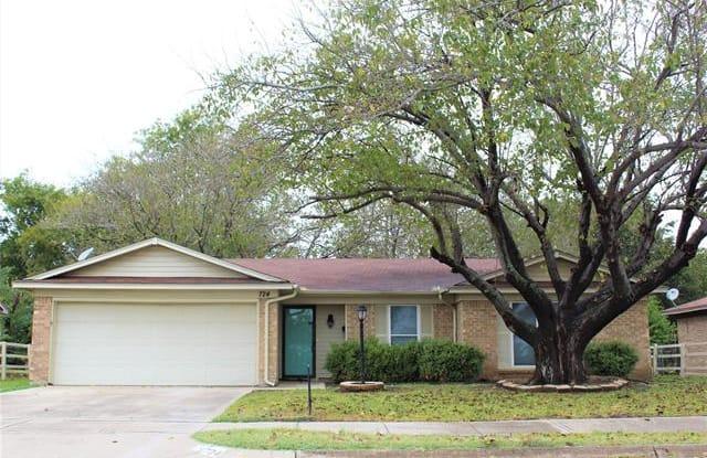 724 Sue Ann Lane - 724 Sue Ann Lane, Burleson, TX 76028