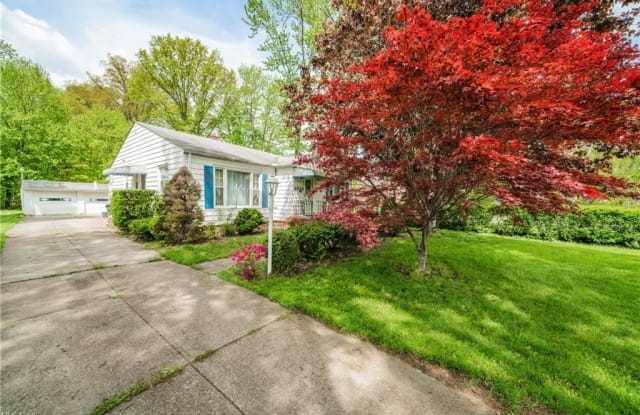 4054 Columbia Rd - 4054 Columbia Road, North Olmsted, OH 44070