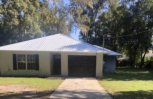 411 Pearl Street - 411 Pearl Street, Green Cove Springs, FL 32043