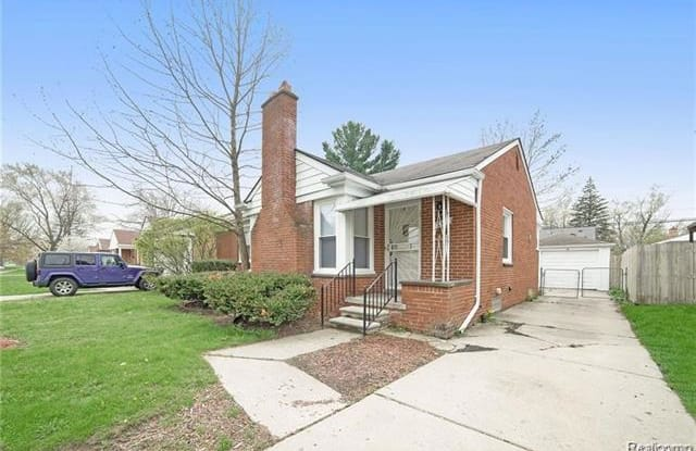 8301 W PARKWAY Street - 8301 West Parkway Street, Detroit, MI 48239