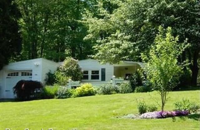 17070 Maple Drive - 17070 Maple Drive, Geauga County, OH 44023
