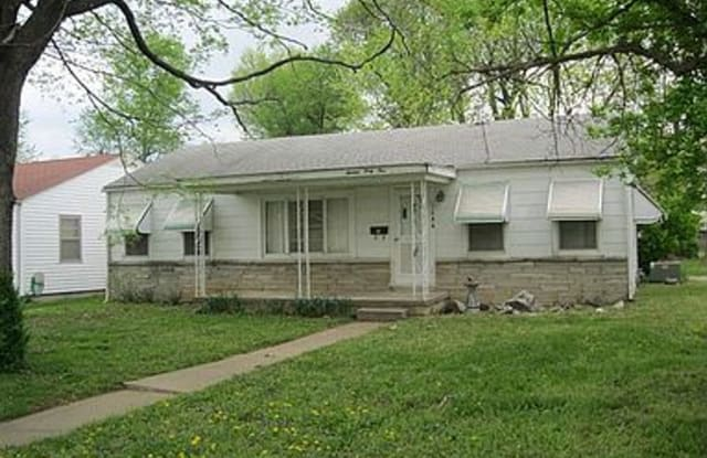 1644 South Ave. - 1644 South Avenue, Springfield, MO 65807