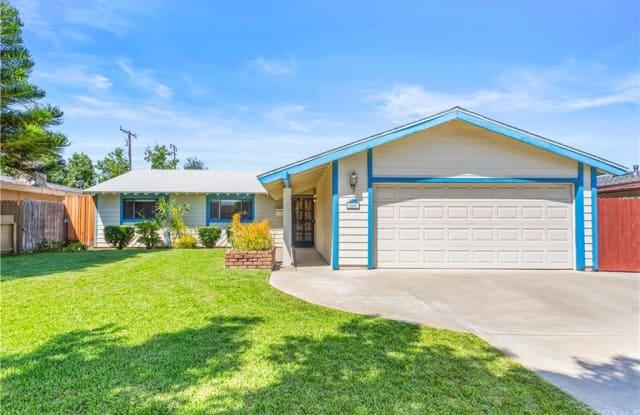 880 N Waverly Street - 880 North Waverly Street, Orange, CA 92867